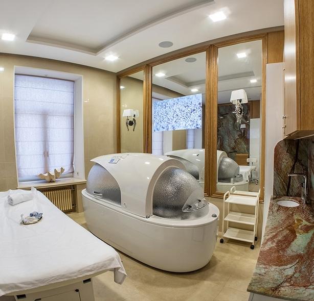 Crystal Spa & Lounge