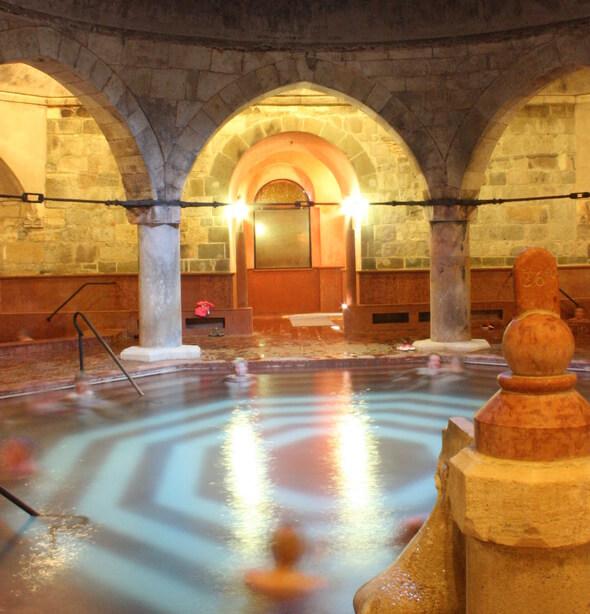 Будайская купалня Рудаш (Rudas)