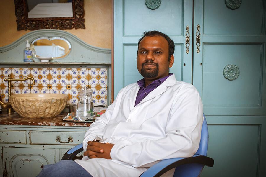 доктор Ниил Венугопал